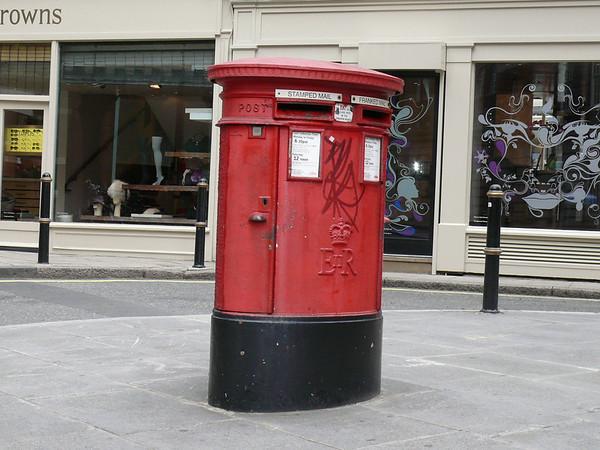 W1 79 - Davies Street  South Molton Lane 090903
