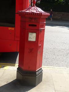 W8 12 - Kensington Palace Gardens 130905