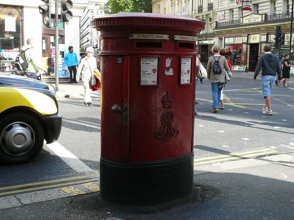 WC1 6 - Bloomsbury Street  New Oxford Street 090910