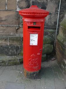 WR9 376 - Droitwich, St Andrews Church 110407 GviR
