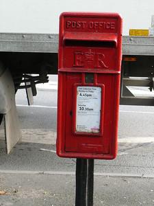 WR9 356 - Droitwich, Hanbury Street 110407