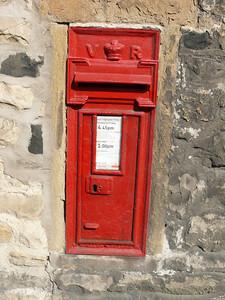 YO18 45 - Thornton-le-Dale, Church Hill 110503