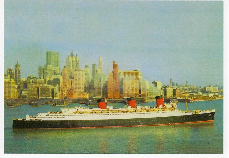QUEEN MARY Hudson River Manhattan 1950s