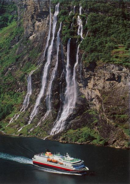 Geiranger Fjord Seven Sisters Waterfall NORDKAPP