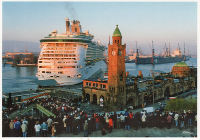 2013 FREEDOM OF THE SEAS Hamburg St Pauli Landungsbricken Dock 17 B&V