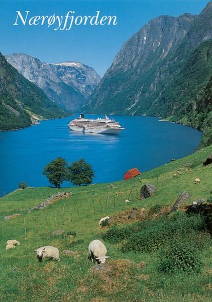 CRYSTAL HARMONY Nærøyfjorden Gudvangen Norway