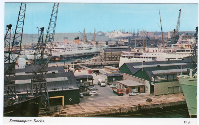 Southampton Docks seamen's strike 1966 - bow CARMANIA 46 stern ANDES no6 dry dock - 50 CAMITO & GOLFITO - GOOD HOPE CASTLE, EDINBURGH CASTLE, REINA DEL MAR, CANBERRA ARCADIA - S A VAAL & QUEEN ELIZABETH - perhaps from QUEEN MARY at Ocean Terminal 44