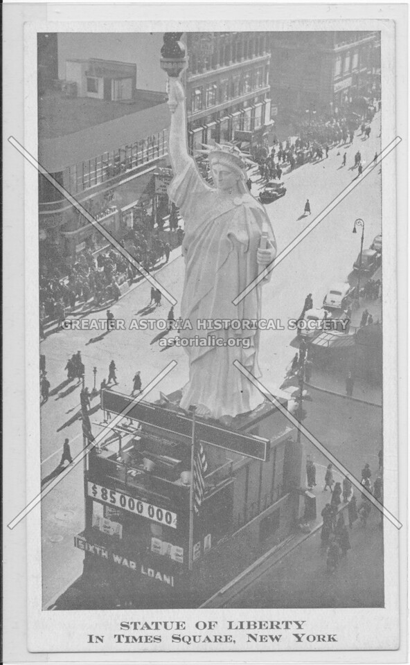 Statue Of Liberty In Times Square, New York