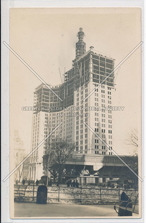 N.Y.C, black and white Municipal Building under construction