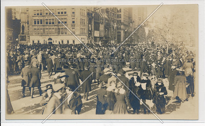 23rd St & Broadway when WWI ended. 1918