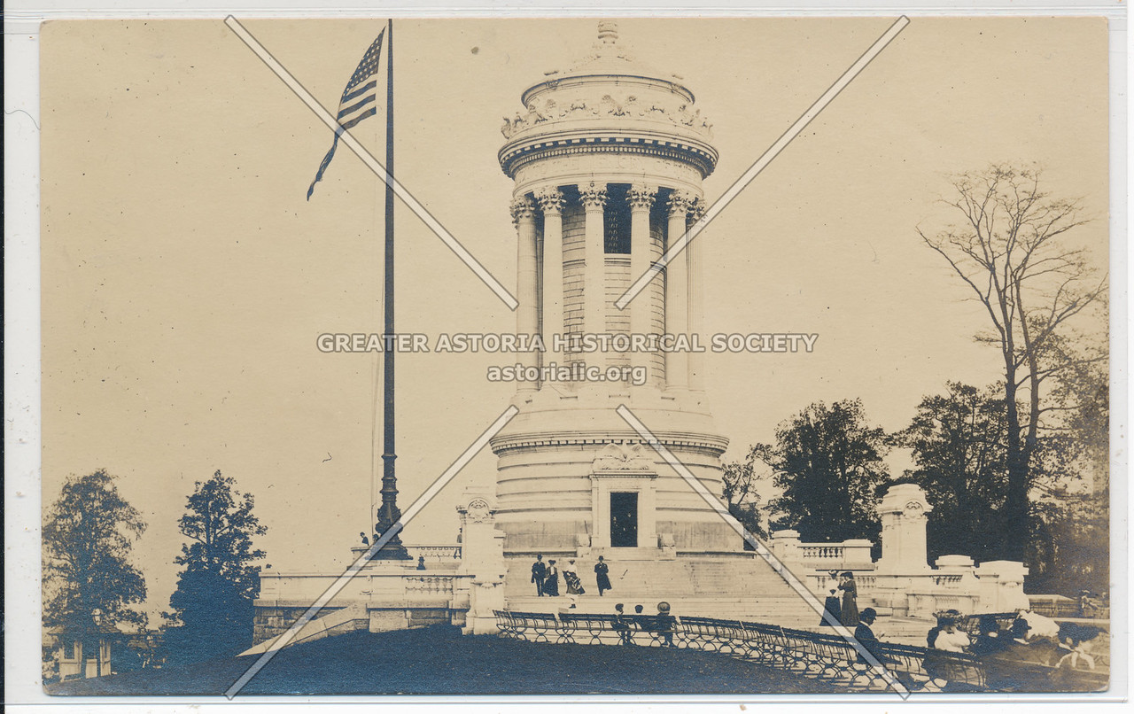 Soldiers & Sailors Monument on Hudson