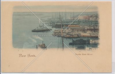 Docks East River, NYC