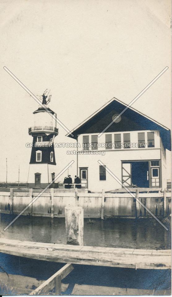 Lighthouse, West Hamilton Beach