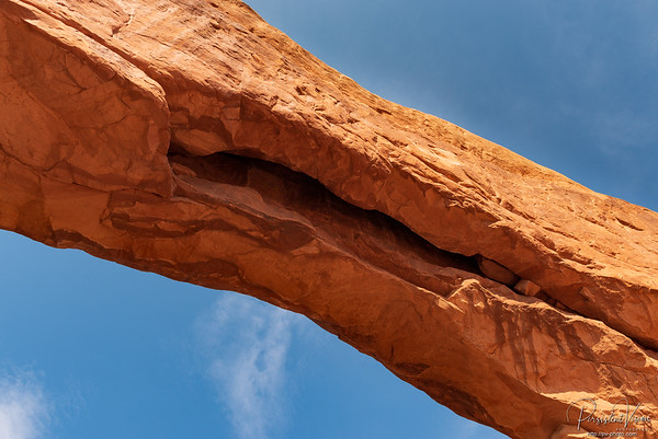 Crack in the bottom of North Window Arch