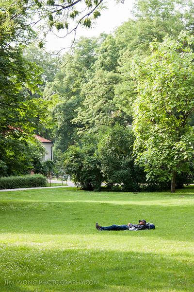Sleeping man, Kampa Island