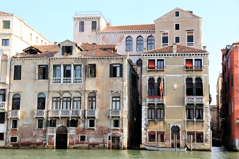 Waterfront Living Venetian Style