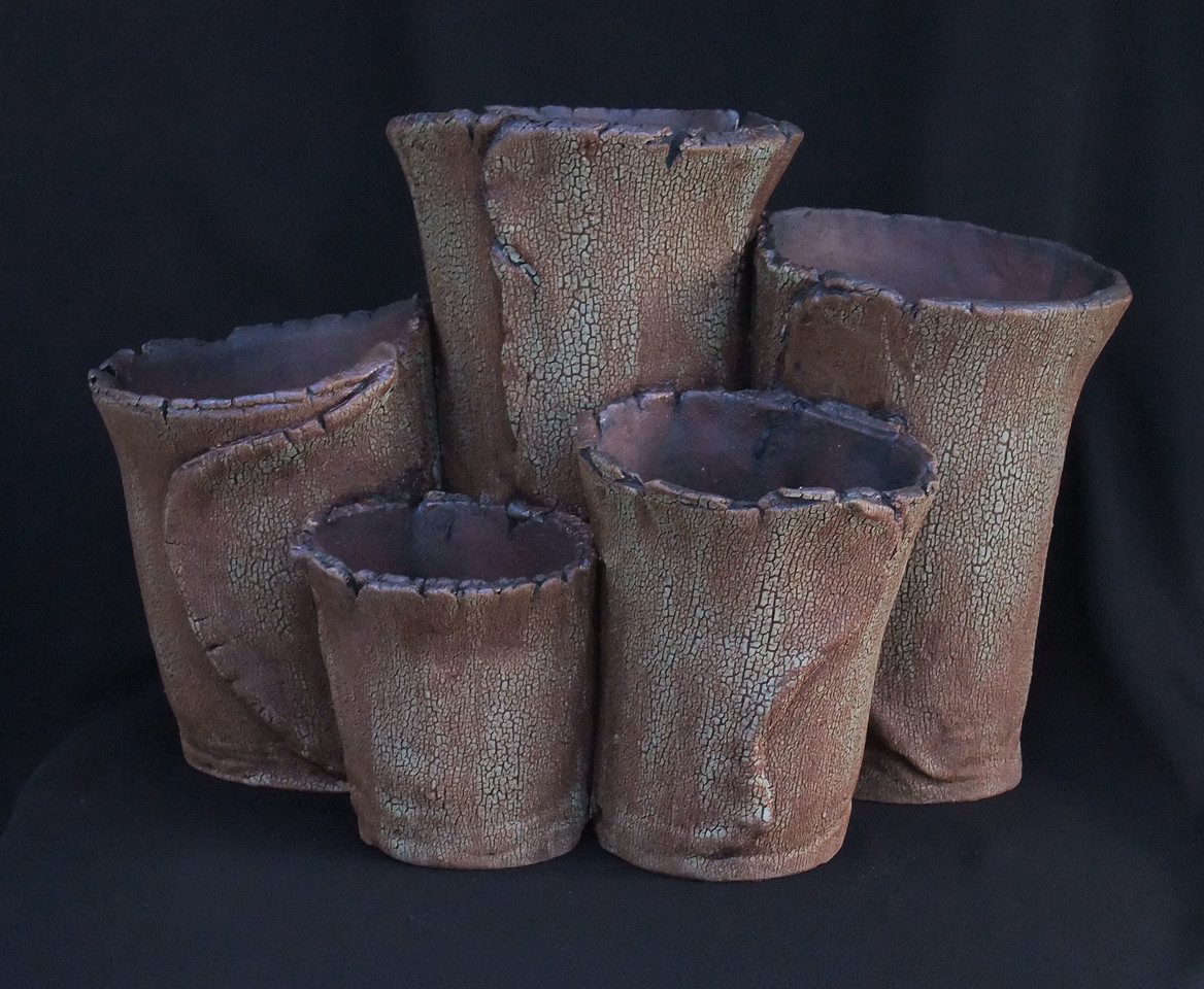 """#924  13"""" across, 9"""" tall  Back 3 pots are 4"""" round, front 2 are 3 and 3 1/2"""" (inside diameters)"""