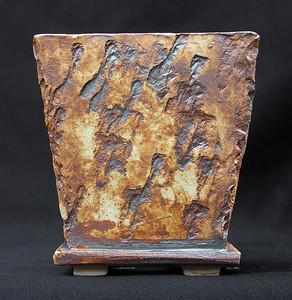 Stoneware pot with Iron Oxice stain