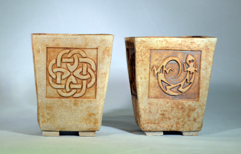Two square planters 16147-48