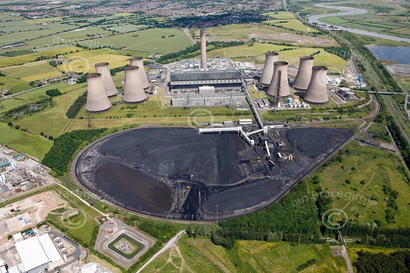 Aerial photo of Fiddlers Ferry Power Station.