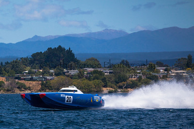 Team 3 at the first race of the 2013 New Zealand Offshore Powerboat Racing season on Lake Taupo. Cathy Vercoe LuvMyBoat.com