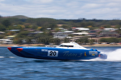 Team 3 competing at the first race of the 2013 New Zealand Offshore Powerboat Racing season on Lake Taupo. Cathy Vercoe LuvMyBoat.com
