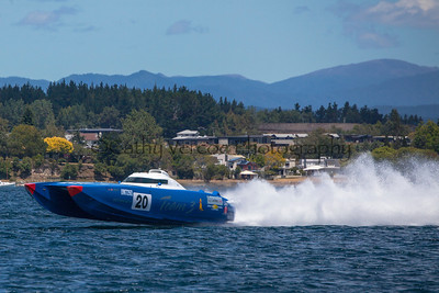 Team 3 races at the first race of the 2013 New Zealand Offshore Powerboat Racing season on Lake Taupo. Cathy Vercoe LuvMyBoat.com