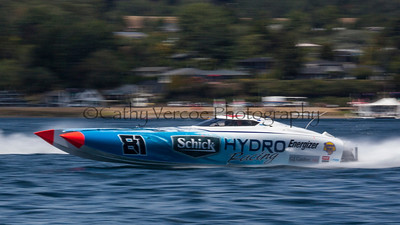 Schick Hydro competing at the first race of the 2013 New Zealand Offshore Powerboat Racing season on Lake Taupo. Cathy Vercoe LuvMyBoat.com