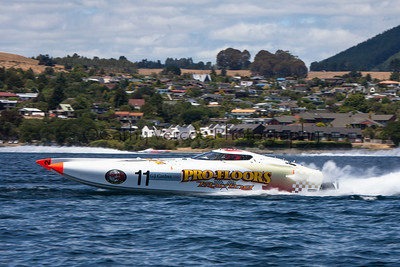 Profloors at the first race of the 2013 New Zealand Offshore Powerboat Racing season on Lake Taupo. Cathy Vercoe LuvMyBoat.com