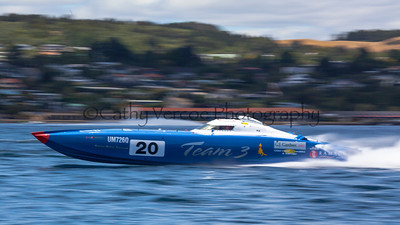 Team 3 racing at the first race of the 2013 New Zealand Offshore Powerboat Racing season on Lake Taupo. Cathy Vercoe LuvMyBoat.com
