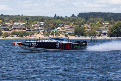 Red Steel at the first race of the 2013 New Zealand Offshore Powerboat Racing season on Lake Taupo. Cathy Vercoe LuvMyBoat.com