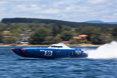 Team 3 speeding at the first race of the 2013 New Zealand Offshore Powerboat Racing season on Lake Taupo. Cathy Vercoe LuvMyBoat.com