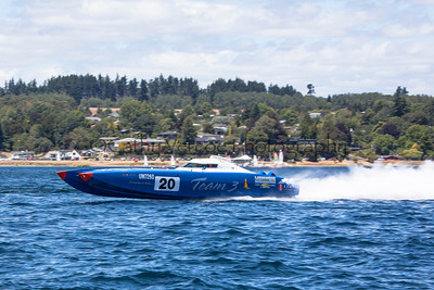 Team 3 zooms at the first race of the 2013 New Zealand Offshore Powerboat Racing season on Lake Taupo. Cathy Vercoe LuvMyBoat.com
