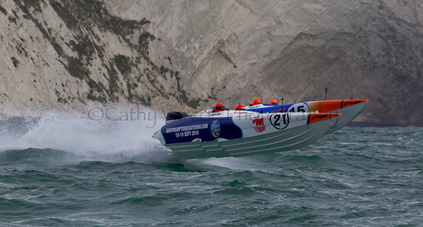 Rough Cut Racing at the P1 Powerboat Superstock race from Lymington 2010.