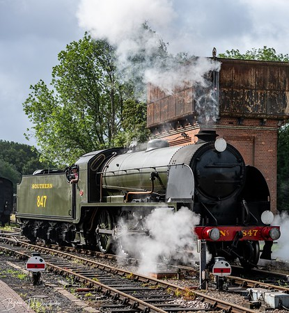Maunsell S15-class 4-6-0 No.847 steamed up