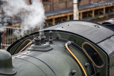 Maunsell S15-class 4-6-0 No.847 lets off steam