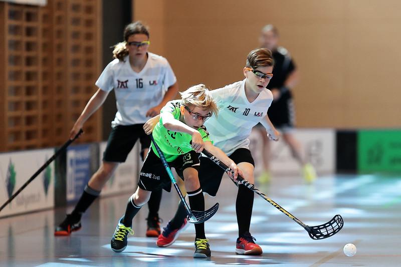 Das Unihockey Nachwuchsturnier Swiss Games wurden als Alternative zu den Prague Games 2020 von verschiedenen Unihockey Vereinen aus der gesamten Schweiz organisiert. <br /> Am Standort Oberägeri, in der Sporthalle Hofmatt, fand am 9. und 10 Juli das Turnier in den Alterskategorien Boys B12 und Girls G14 statt.<br /> <br /> Bilder: Michael Peter spitzensport@gmx.at