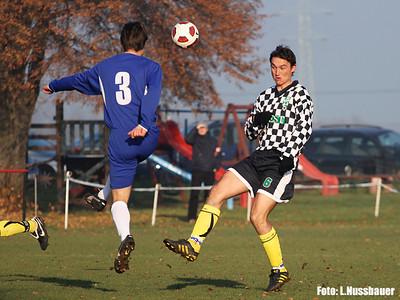 Od prvních minut se hrál rychlý, útočný fotbal...