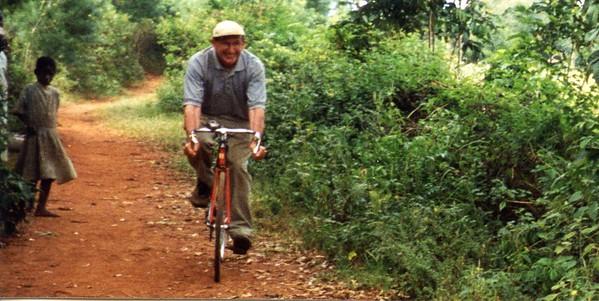 Charlie Doggett borrows a Bike