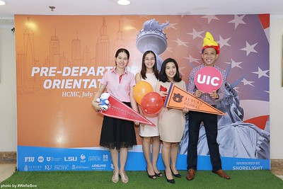 Pre-Departure-Orientation-WefieBox-Photobooth-Vietnam-chup-hinh-in-anh-lay-lien-Su-kien-45