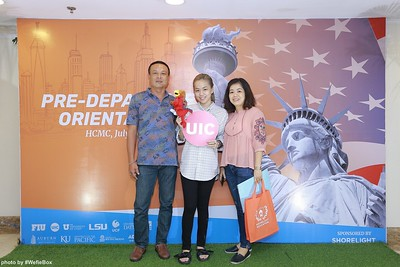 Pre-Departure-Orientation-WefieBox-Photobooth-Vietnam-chup-hinh-in-anh-lay-lien-Su-kien-06