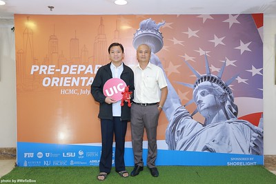 Pre-Departure-Orientation-WefieBox-Photobooth-Vietnam-chup-hinh-in-anh-lay-lien-Su-kien-20