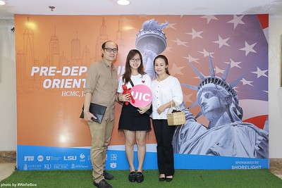 Pre-Departure-Orientation-WefieBox-Photobooth-Vietnam-chup-hinh-in-anh-lay-lien-Su-kien-15