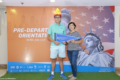 Pre-Departure-Orientation-WefieBox-Photobooth-Vietnam-chup-hinh-in-anh-lay-lien-Su-kien-25