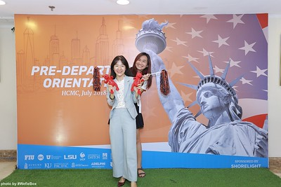 Pre-Departure-Orientation-WefieBox-Photobooth-Vietnam-chup-hinh-in-anh-lay-lien-Su-kien-48