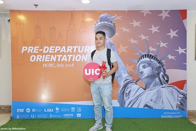 Pre-Departure-Orientation-WefieBox-Photobooth-Vietnam-chup-hinh-in-anh-lay-lien-Su-kien-23