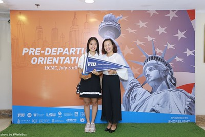 Pre-Departure-Orientation-WefieBox-Photobooth-Vietnam-chup-hinh-in-anh-lay-lien-Su-kien-31