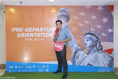 Pre-Departure-Orientation-WefieBox-Photobooth-Vietnam-chup-hinh-in-anh-lay-lien-Su-kien-08