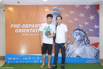 Pre-Departure-Orientation-WefieBox-Photobooth-Vietnam-chup-hinh-in-anh-lay-lien-Su-kien-03
