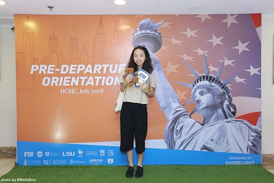 Pre-Departure-Orientation-WefieBox-Photobooth-Vietnam-chup-hinh-in-anh-lay-lien-Su-kien-44